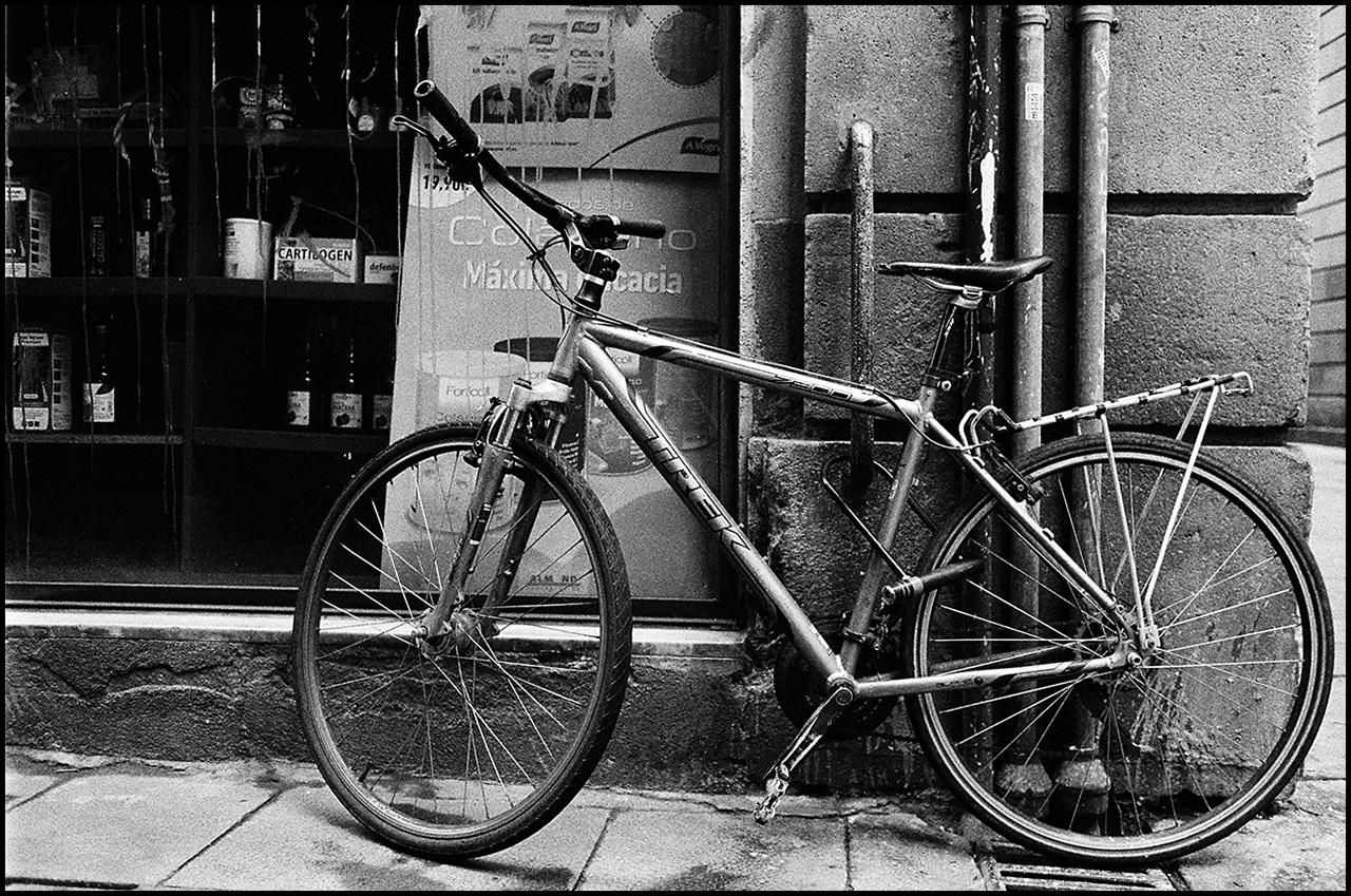 Nikon FE Bicycle